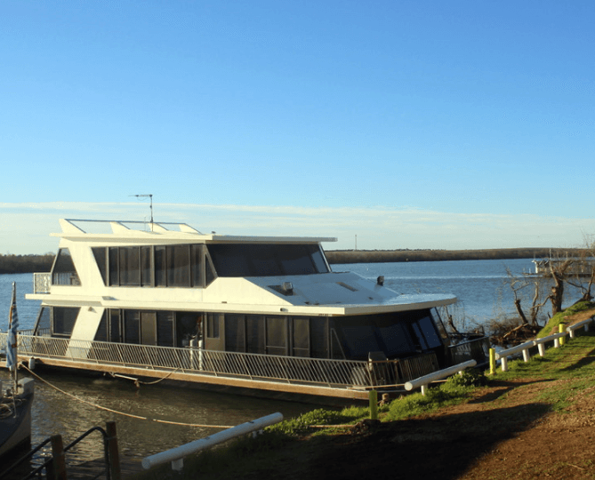 7-beautiful-reasons-why-we-fall-in-love-with-houseboat-holidays